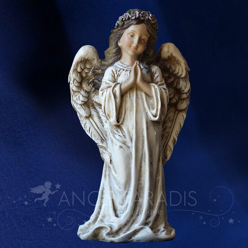 statue ange debout decoration de statuettes d 39 anges pour. Black Bedroom Furniture Sets. Home Design Ideas