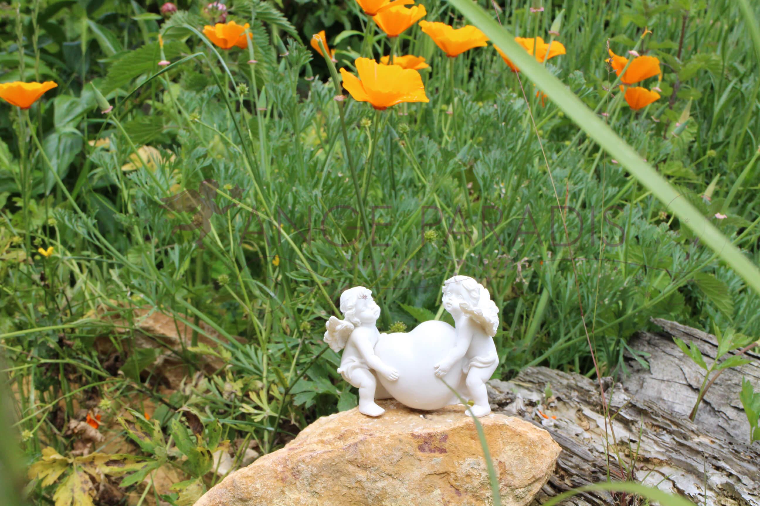 Déco anges figurines avec des fleurs