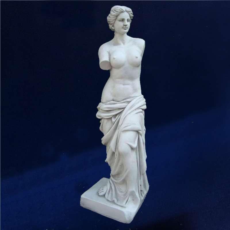 bon statue jardin pas cher #10: fascinés par les statues de mini