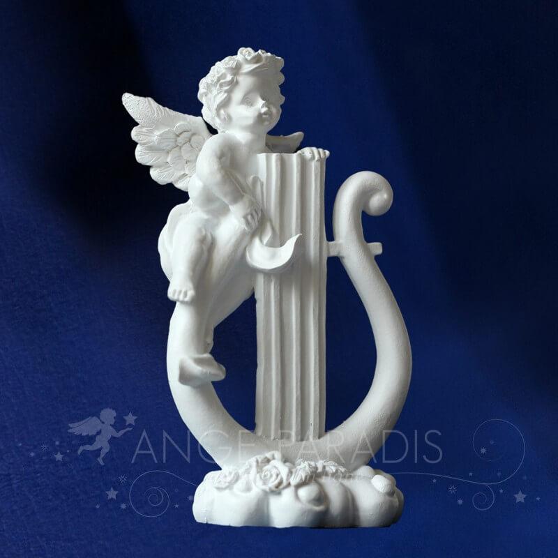 statuette ange musicien