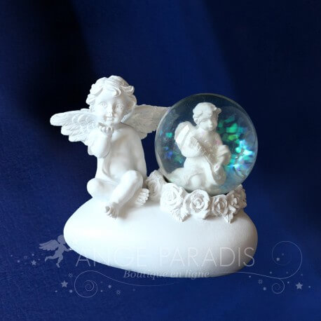figurine d corative et boule neige sur le th me des anges boutique. Black Bedroom Furniture Sets. Home Design Ideas
