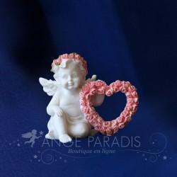 Figurine ANGELOT AVEC ROSE 7CM