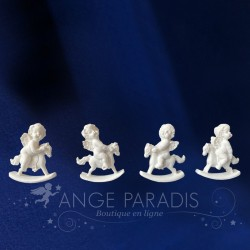 4 FIGURINES ANGES A CHEVAL