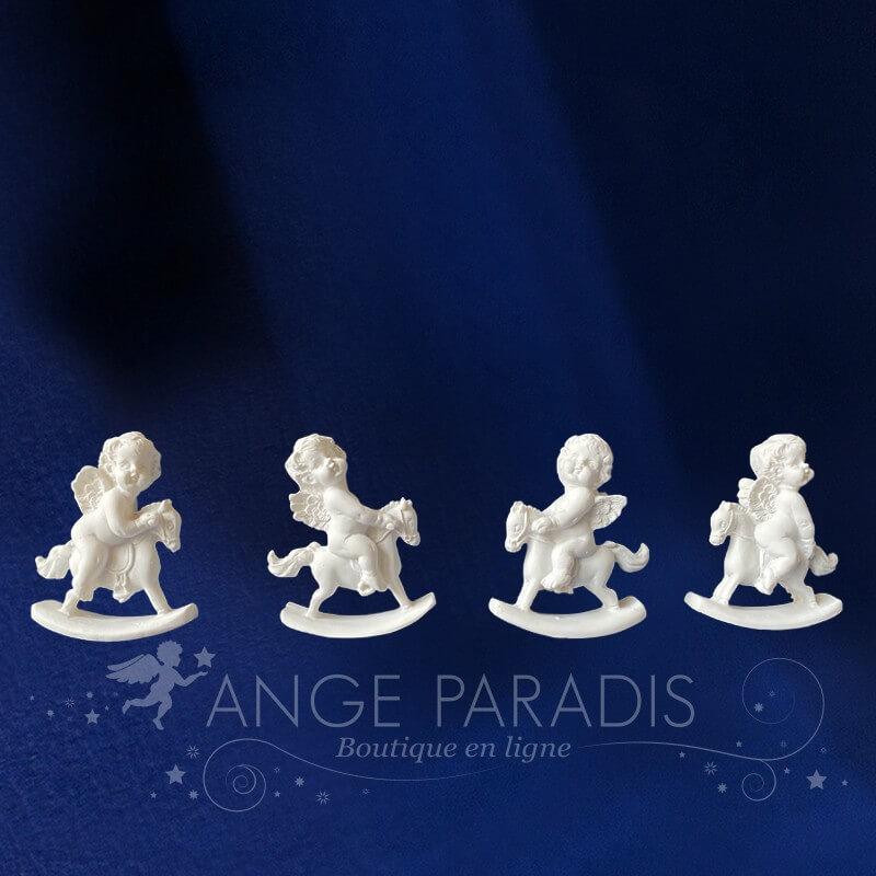 4 FIGURINES ANGES BEBE A CHEVAL