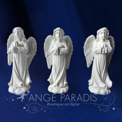 figurines anges qui prie