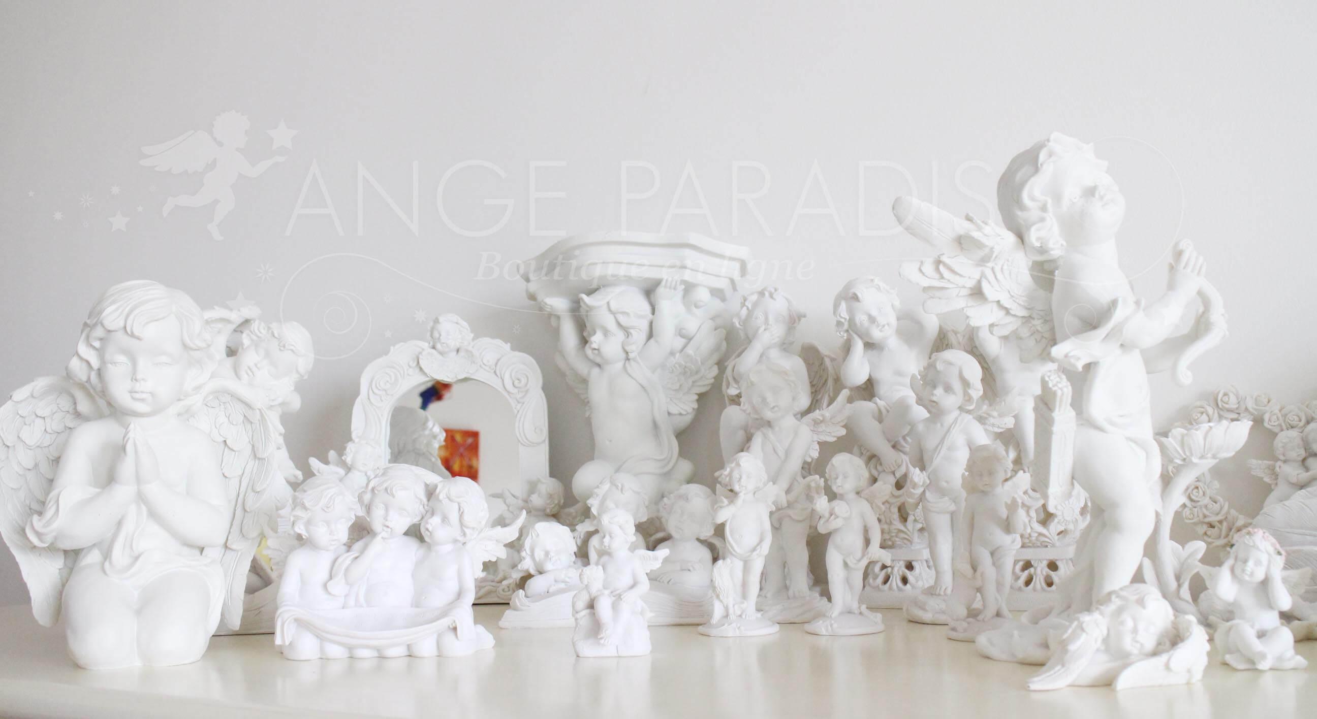 Des statues d'ange Gardien blancs pour protéger, offrir, contempler.