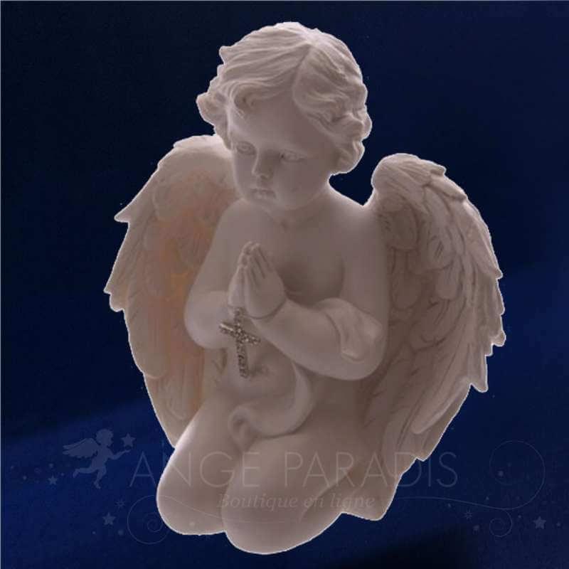 statue-ange-agenouille